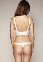 String blanc ivoire Retrolution Gossard