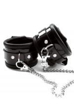 Fur handcuffsFaire Hommage